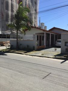 Photo for HOUSE HOSTEL 5 ROOMS IN MEIA BEACH ITAPEMA