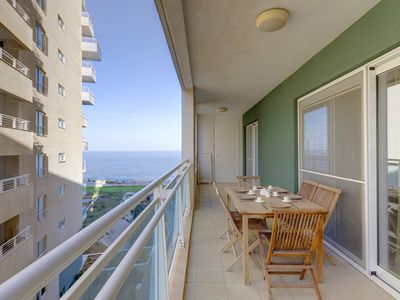 Photo for Luxury Apt w/ Side Seaviews and Pool, Top Location
