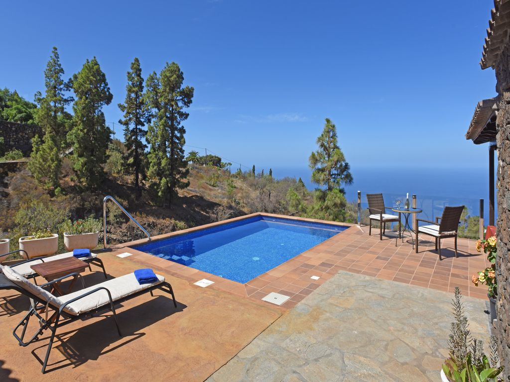 rustic house with large terrace and pool tijarafe la palma canary islands. Black Bedroom Furniture Sets. Home Design Ideas