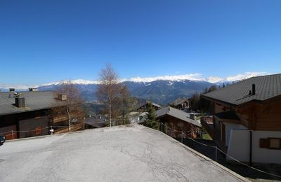 Photo for 3-room apartment close to the cable car and 5 minutes from the city centre and amenities, offering d