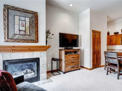 Photo for Great condo off Main Street, close to hiking trails, outdoor pool