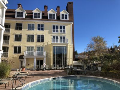 Photo for Ski Stratton Mt 1 BR Condo, SEASONAL RENTAL, Sleeps 4, Pool, Hot Tub. Long Trail