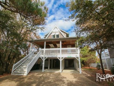 Photo for Live Oaks Cottage | Between the Highways | Old Nags Head Place | Nags Head | Sleeps 12