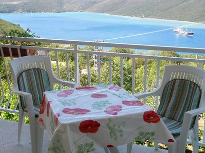 Photo for One bedroom apartment with terrace and sea view Trget (Raša)