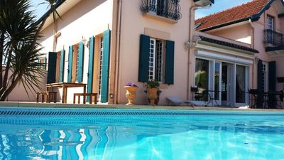 Photo for Spacious villa 8-9 people, heated swimming pool, garden and private parking