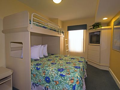 Photo for 2 bedroom 1 mile from Disney, Westgate Vacation Villas