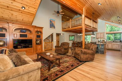 High vaulted ceilings w/lots of natural light
