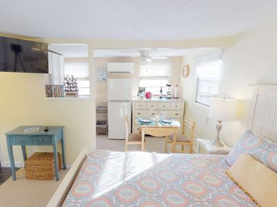 Photo for Cozy beach bungalow, steps to the Beach and Bay ! Kitchen, Laundry, WiFi, Grills, Just Perfect!