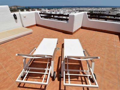 Photo for Casa Flamenco, apartment with balcony, roof terrace, shared swimming pool