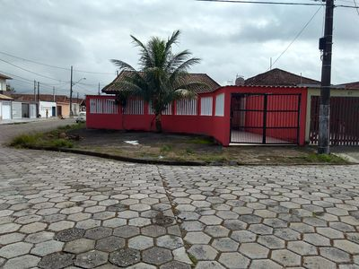 Photo for HOUSE 4 SLEEPS, 3 BATHROOMS, BBQ, WIFI, 120M FROM THE BEACH. BAL. MARACANÃ, PGDE