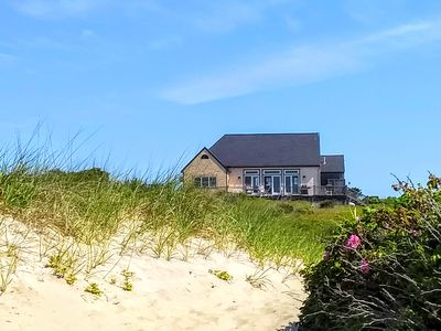 Photo for Charming 2 B 1.5 Ba  Spacious Beach House