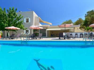 Photo for A 5 Bedrooms Cozy Villa With Private Pool, 1.4km From Georgioupolis