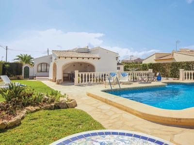 Photo for 2 bed Villa w/pool, a short walk to tennis, 10 minutes drive to the beach