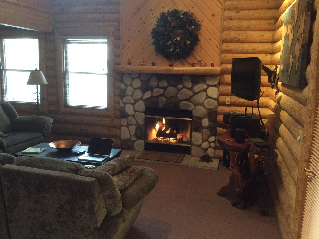 quiet private 2 br log cottage on green vrbo