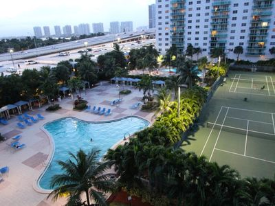 Photo for Large 1 Bedroom Bay View apartment OR610
