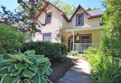 Best location in Charlevoix. 1 block from downtown and lighthouse/beach.
