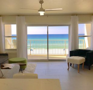 Photo for Beachfront Condo, 1 King Bedroom + Bunk area, 2 Baths (Sleeps 4-6)