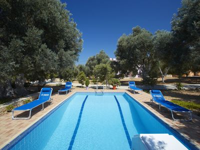 "Photo for ""Elia Villas"", Pagkalochori: 3 houses with a pool and garden for group holidays"