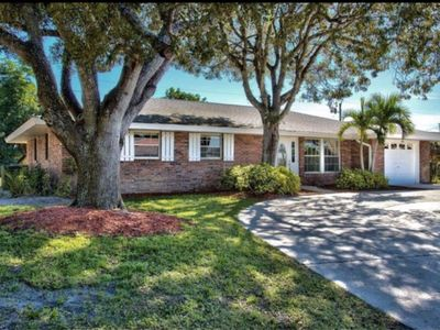 Photo for Pool home in central Naples near beach. 3/2 large outdoor living space