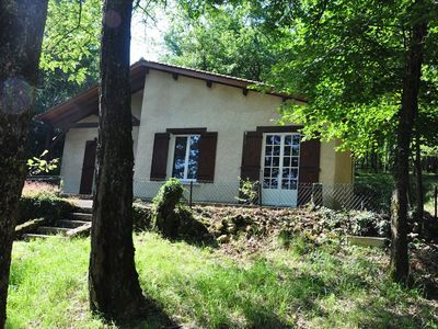 Photo for Beautiful cottage in Perigord, view of the Dordogne, 4/5 people