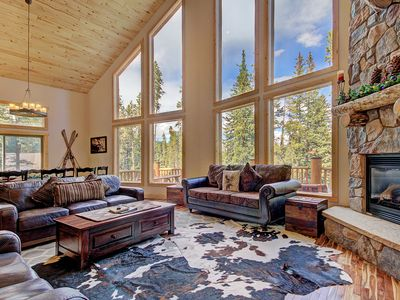Photo for Blue River Log Cabin, Mountain & Lake Views, 3 King Bedrooms, Hot Tub - Grand Moose Lodge by Sky