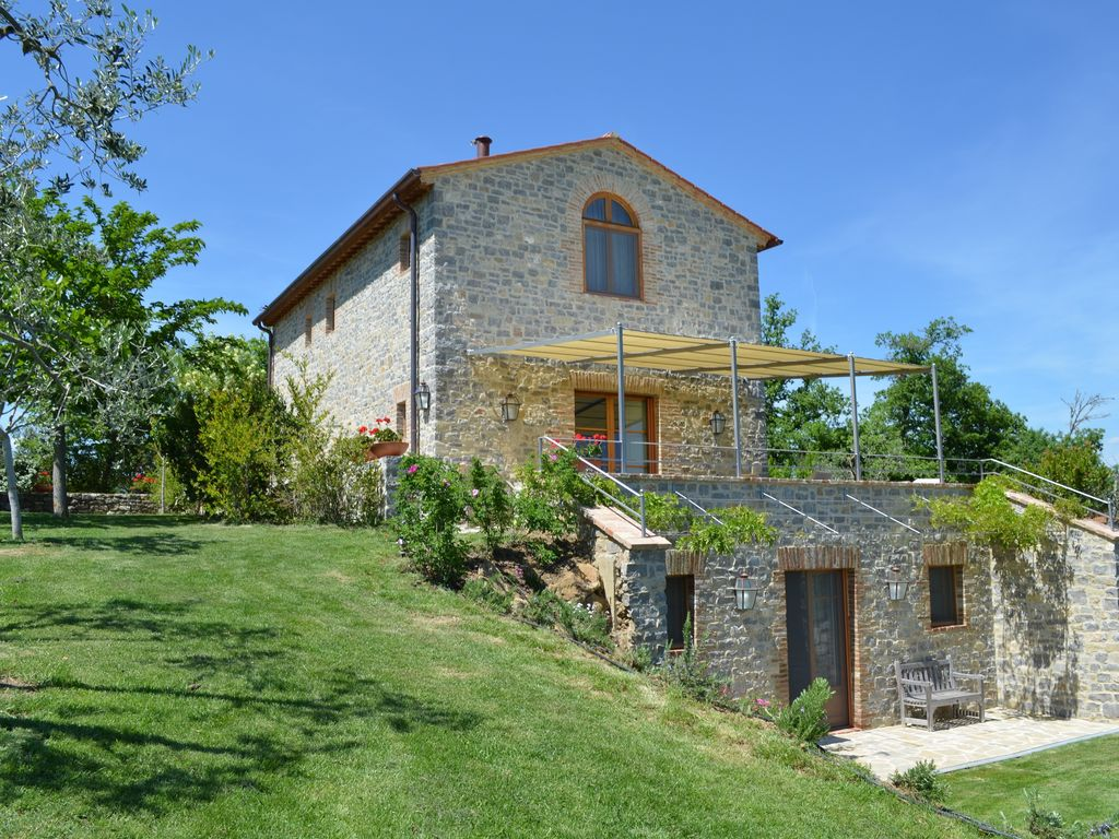 Villas Near Siena Italy beautiful private & luxurious tuscan villa near siena/scenic views/crete  senesi - castelnuovo berardenga