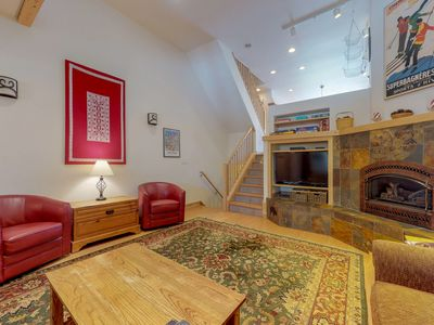 Photo for Spacious, ski-in/ski-out townhome w/ private hot tub, shared pool