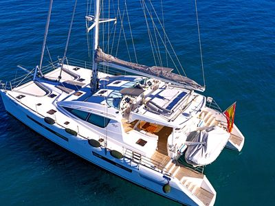 Photo for Family holidays on board an exclusive crewed catamaran