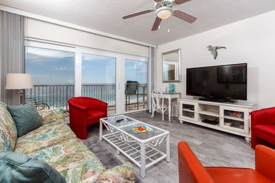 Outstanding views from the 6th floor beach front condo! New floo - Outstanding views from the 6th floor beach front condo! New flooring - BEAUTIFUL! Lots of comfy seating and a nice size TV!