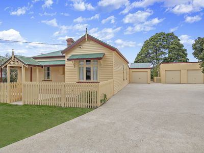 Photo for 1 on Jackson - 1914 Federation Home 500 mtr easy walk to CBD