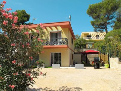 Photo for Apartment Carnoux-Calanques  in Carnoux - en - Provence, Aix Avignon surroundings - 5 persons, 2 bedrooms