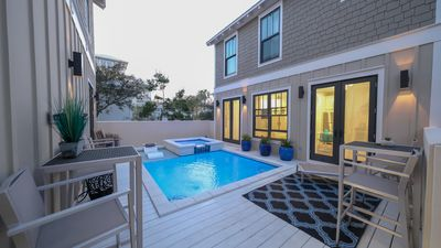 Pool/hot tub/spa/pool deck between houses, w/privacy wall, Carriage house on R