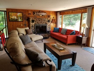 River Ranch Rental - Cabin in the woods--fishing, relaxation, wildlife, river