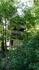 Photo for In Town Just Off Main St, Free WiFi,Hot Tub,fireplace, Walk To Everything!