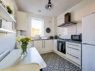 Lovely bright kitchen, with everything you need to prepare a full meal.