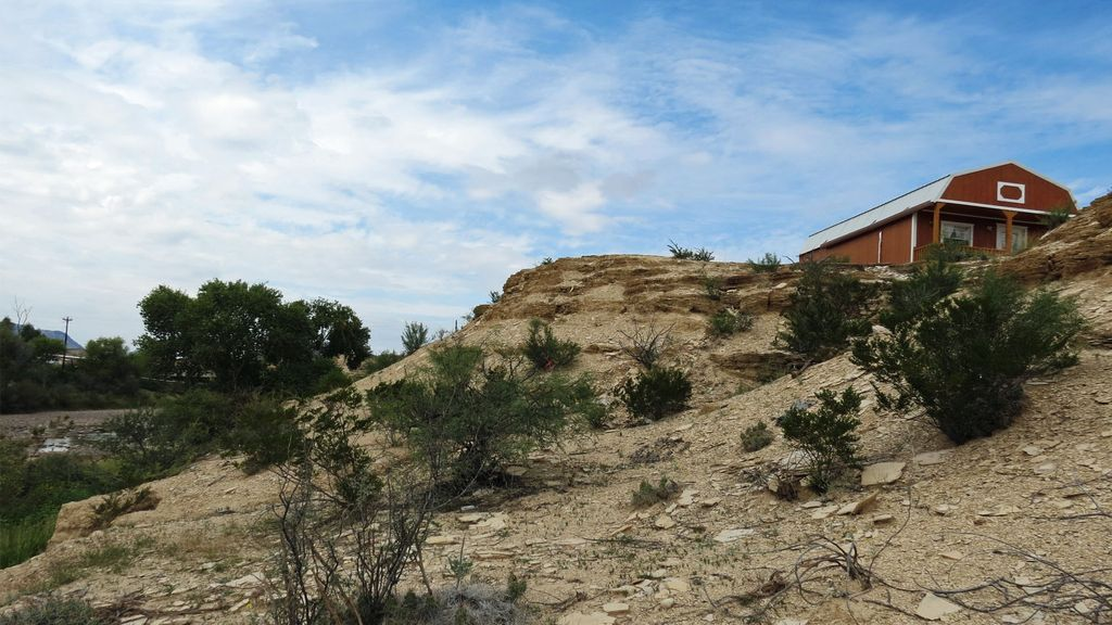 New sherri 39 s terlingua cabin overlooking the terlingua for Big bend texas cabin rentals
