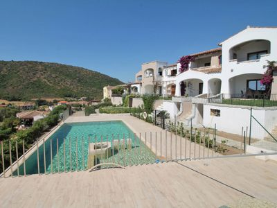 Photo for 2 bedroom Apartment, sleeps 6 with Pool, Air Con and Walk to Shops