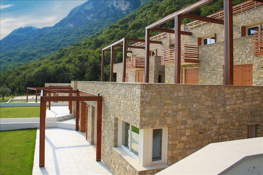 Modern 2bdr With Swimming Pool Predore Bergamo Province Lombardy Rentals
