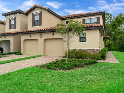 Photo for Luxury House, 20 Minutes to Disney, Communal Pool, Gated, Families Welcome!
