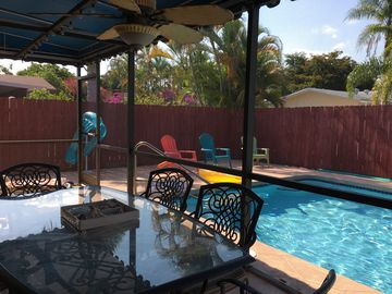 JANUARY OPENINGS,  🤗HEATED POOL!🤗2/2 HOLLYWOOD BEACH,  PRIVATE HOME, EXCELLENT