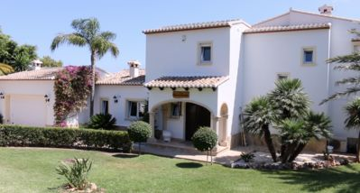 Photo for 5BR Villa Vacation Rental in Xàbia
