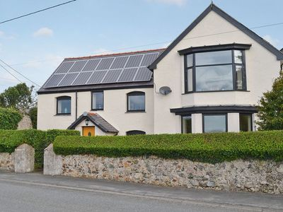 Photo for 4 bedroom property in Rhosneigr and Aberffraw. Pet friendly.