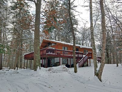 Lake Rescue Chalet - 6-Bedroom Lake & Ski House with Hot Tub
