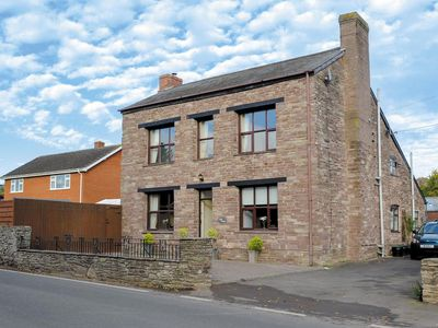 Photo for 3 bedroom property in Hay-on-Wye. Pet friendly.