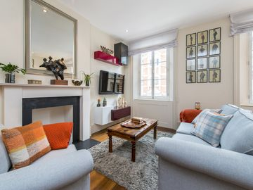 Feel at home in this air-conditioned 2 bedroom Luxury Mayfair Rental