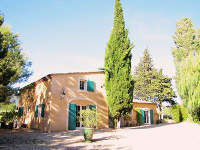 Photo for LUBERON - 4 BEDROOMS - 4 BATHROOMS - PETANQUE LAND - PRIVATE SWIMMING POOL