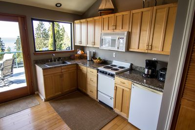 Kitchen fully equipped along with Keurig coffee makes & pods, teas, etc.