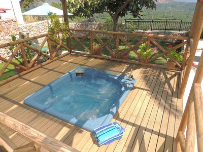 Villa Luka's shaded jacuzzi and deck.