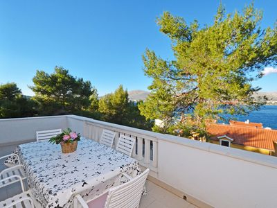 Photo for GORDANA 2 sea view apartment for 7 persons, 90m from a pebble beach