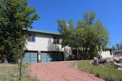 Beautiful, Large Family Cabin with Remote entry, three car garage, & Lg. parking